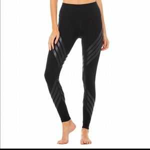Alo Black Striped Airbrush Activewear Bottoms